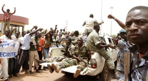 Les militaires putschistes