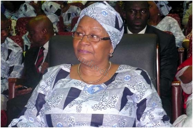 La Première dame, Kéita Aminata Maiga