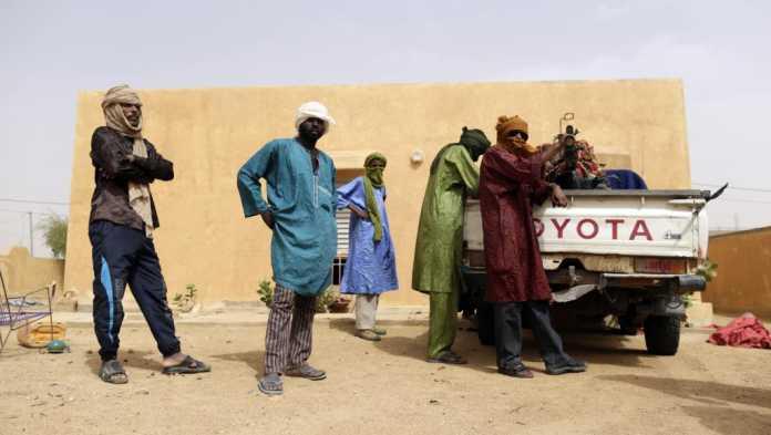 Militants rebelles à Kidal dans le nord du Mali en 2013. AFP PHOTO / KENZO TRIBOUILLARD