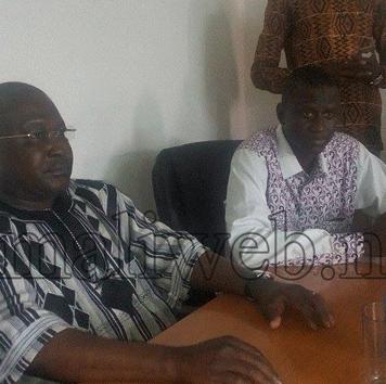 Le ministre de la jeunesse et de l'insertion socio professionnelle du Burkina-Faso, Jean Claude Bouda au siège du Rojalnu-Mali