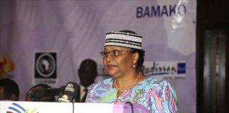Bamako, le 07 mars 2017 la Première Dame Mme Keïta Aminata a reçu le prix de leadership féminin en prelude de la Journée internationales de la femme