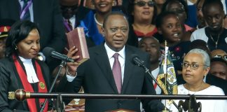Le président kényan Uhuru Kenyatta, le 28 novembre 2017 à Nairobi / © AFP / SIMON MAINA