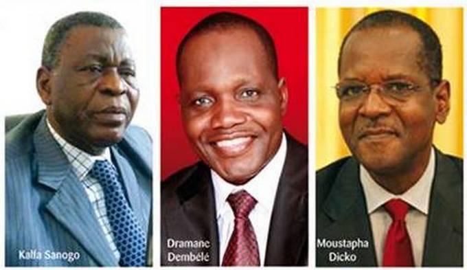 Kalfa Sanogo, Dramane Dembélé, Moustaph Dicko (G-D)