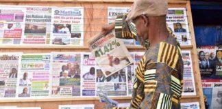 Etal de journaux à Bamako, au Mali, le 3 août 2018