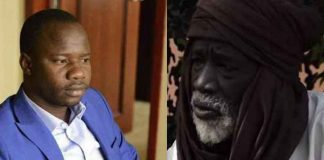 Le journaliste Issaka Tamboura et le préfet Makan Doumbia