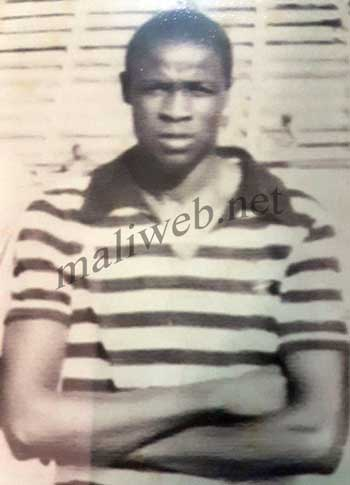 Issa Kolon Coulibaly : Bardé de diplômes
