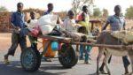 Sur la route de Bandiagara au Mali
