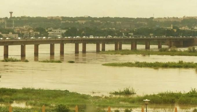 Dossier du dragage et du faucardage du fleuve Niger